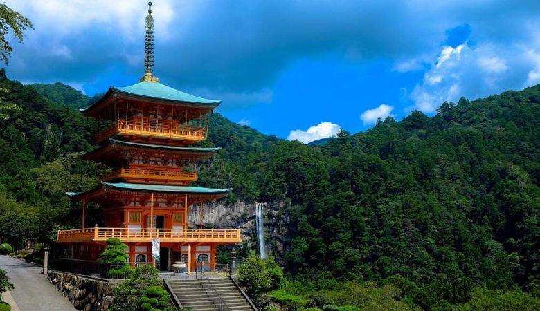 Temple typique du Japon pour une lune de miel de rêve